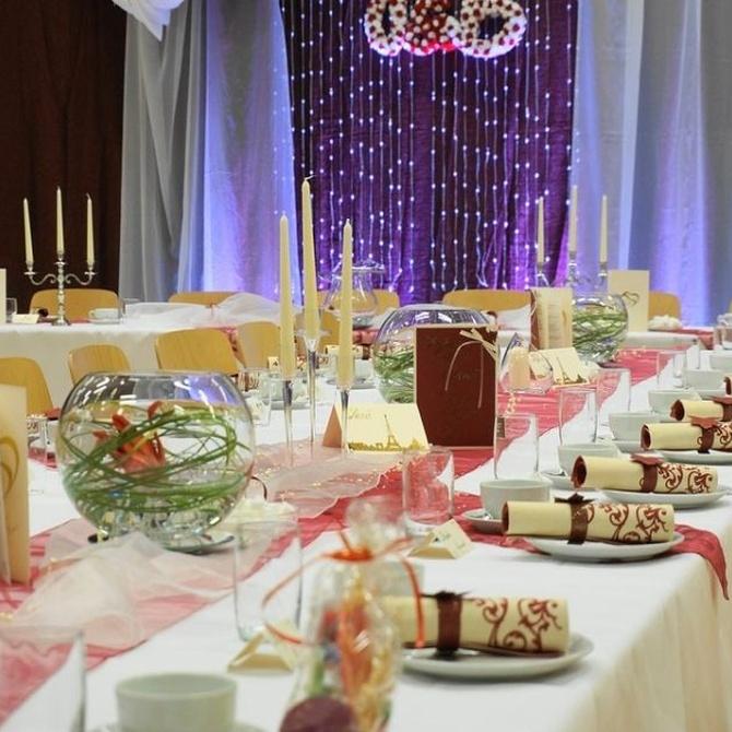 Cómo distribuir a tus invitados en mesas en una boda (I)