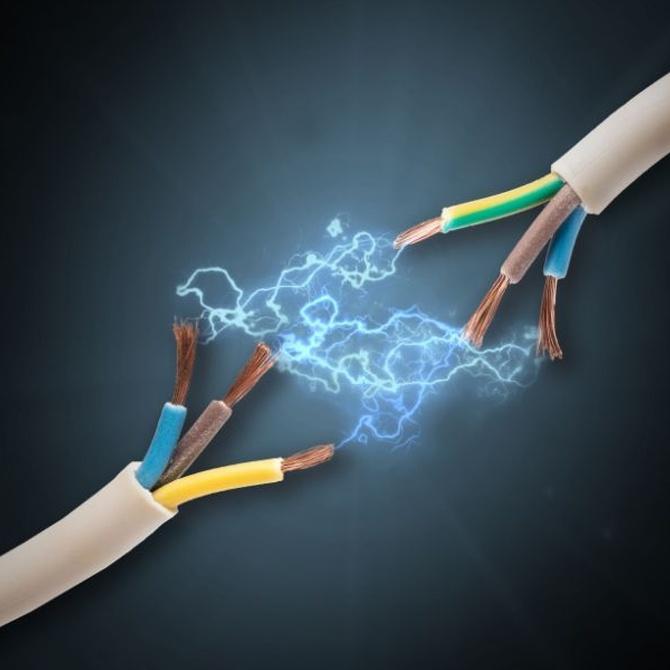 La electricidad, siempre en manos de expertos