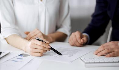 Licencias y gestión de contratos, claves para el lanzamiento de tu empresa