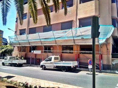 Marquesina de protección. Calle 25 de Julio. Santa Cruz de Tenerife.