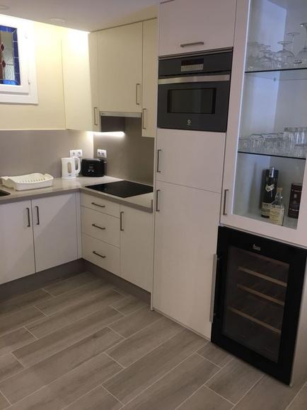 Cocina en color blanco: Servicios de Carpintería Madecor