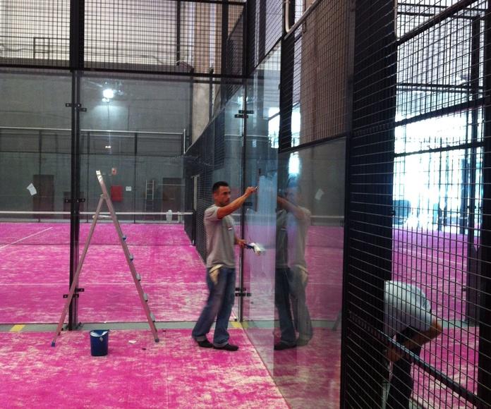 Limpieza de instalaciones deportivas: Servicios de Limpiezas B. Tena