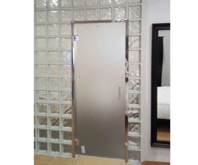 Puerta de aseo:  de LMC Glass
