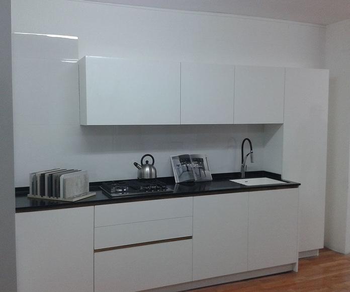 Presentación de cocina DELTA modelo ANDORRA en tienda