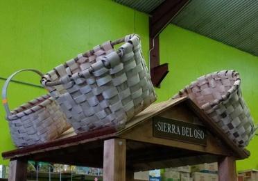 Cestería artesana de castaño y roble