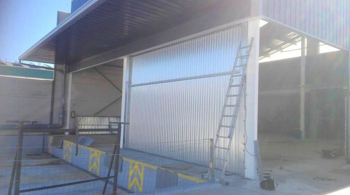Montaje de puertas basculantes de contrapeso prelevas