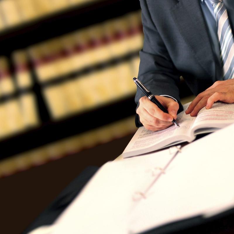 Derecho Civil: Especialidades de Abogado Francisco Jurado Ruiz