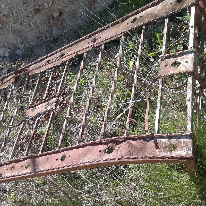 rejas y balcones antiguos en chatarras clemente