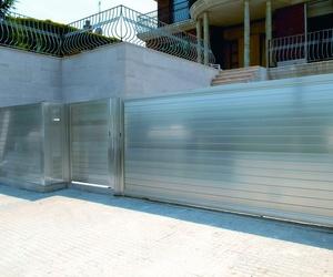 Puertas de Aluminio en Valencia y provincia/ Farem Puertas Automáticas