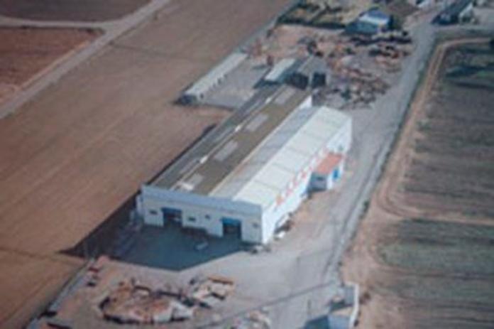 Plegadora 3 metros/ 300 toneladas y plegadora electrónica CNC