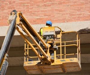 Actuaciones puntuales de reparaciones en fachadas.