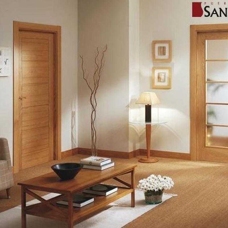 Puertas lacadas, madera barnizada, cristal ...: Productos y servicios de Cuines i Portes Vial