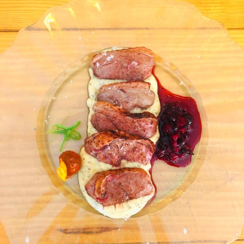 Magret de Pato con coulis de frutos rojos: CARTA y Menús de Alquimia