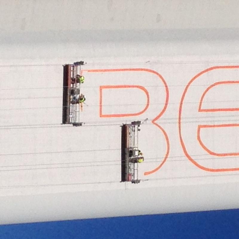 Replanteo vertical. Precisión y serigrafía: Servicios de Topolimit