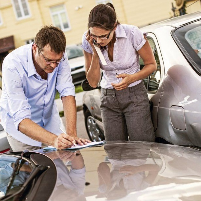 Despistes y malos hábitos al conducir que causan muchas averías