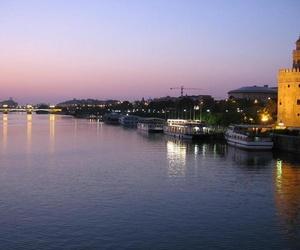 Tramitación y gestión de pensiones y documentos en Sevilla
