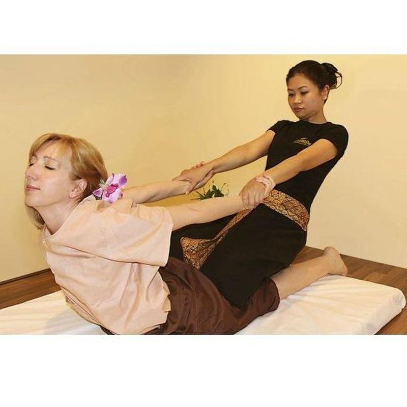 Masaje de espalda, hombro y cabeza : Servicios   de Kwantida Thai Massage & Spa