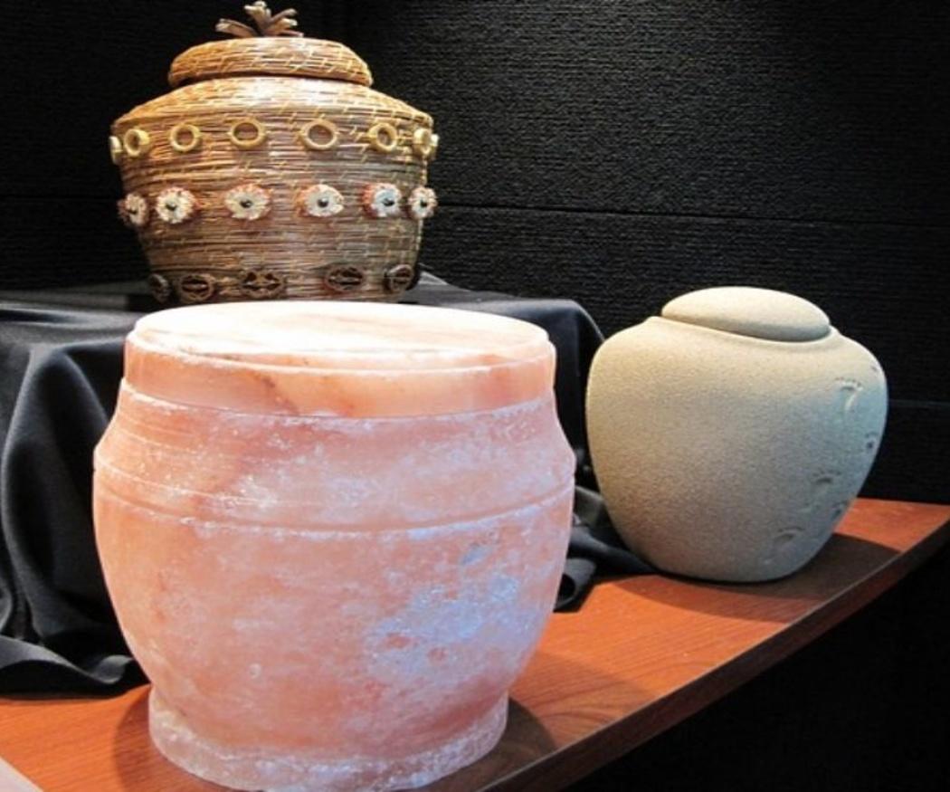 La historia de la urna funeraria