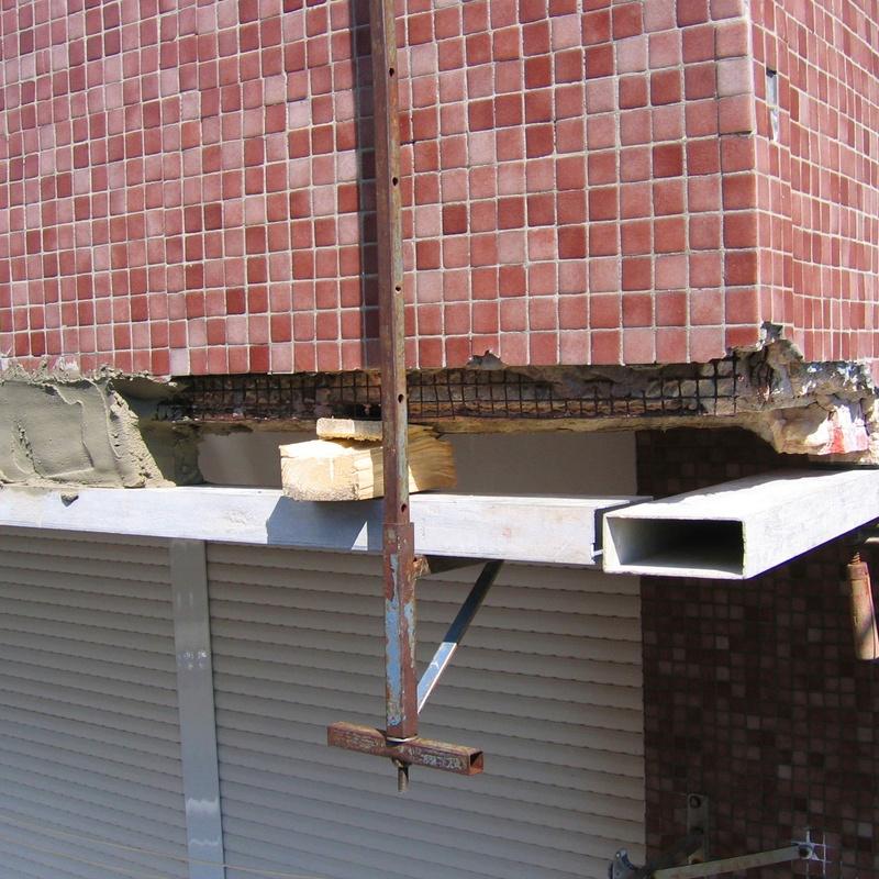 Reparación con mortero r-4 estructural.