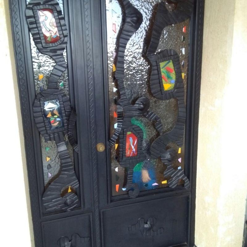 Puerta de forja artística. También en Madrid