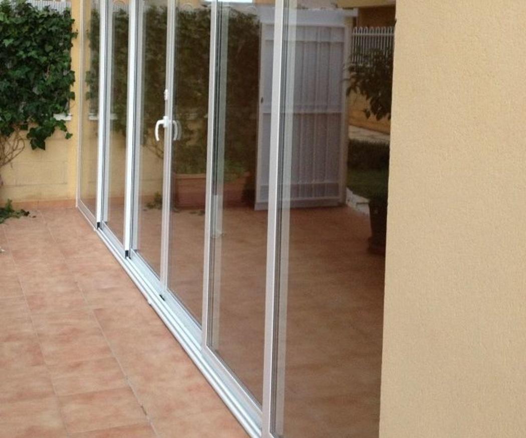 Consejos para limpiar las ventanas de aluminio