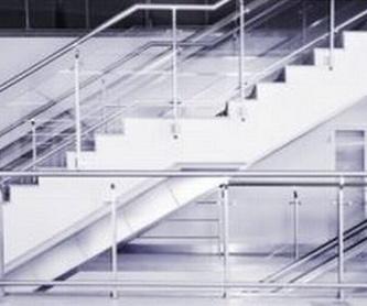 Cerramientos de Terrazas: Servicios de Cristalería Rosellón