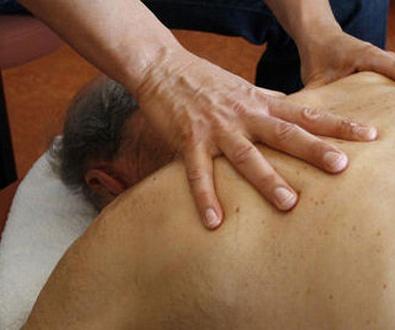 Contractura múscular y dolor referido