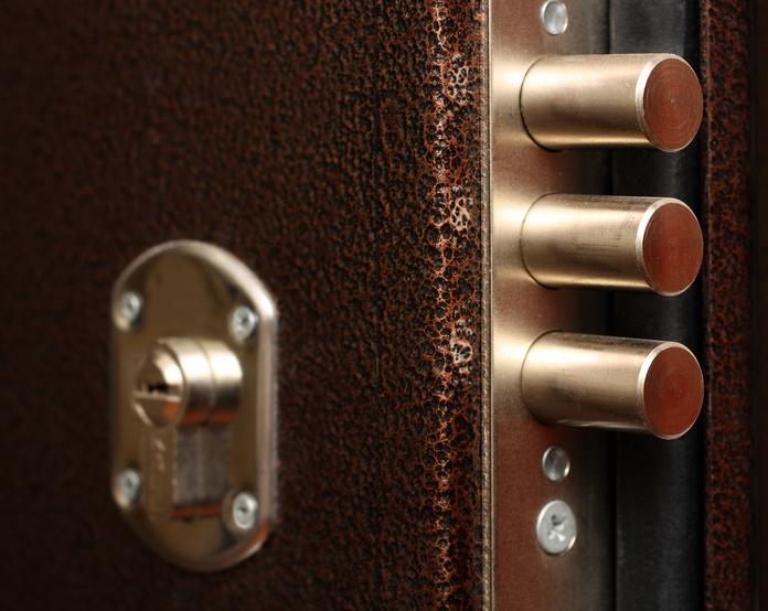 Puertas metálicas: Servicios de Nicolás Aguado Cerrajería