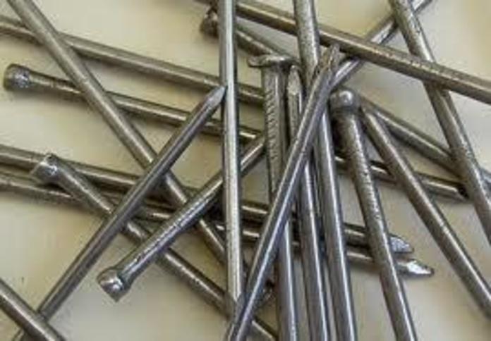 Paquetes de clavos: Servicios de Hnos. López Materiales de Construcción