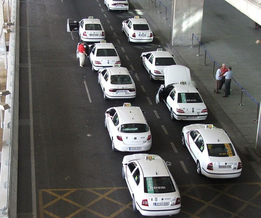 De Madrid centro al aeropuerto, mejor en taxi