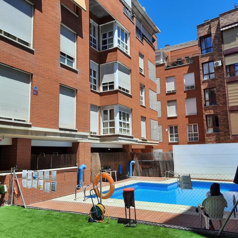 Piso en alquiler en Los Mesejo (Pacífico) con plaza de garaje y piscina:  de Vicente Palau Jiménez - Agente Inmobiliario