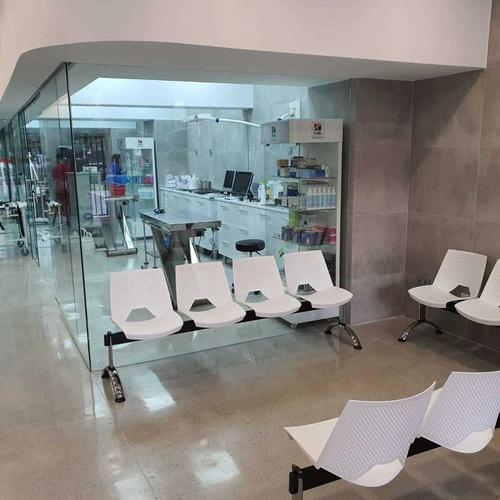 Hospital Veterinario Dr. Alonso Martinez. Málaga