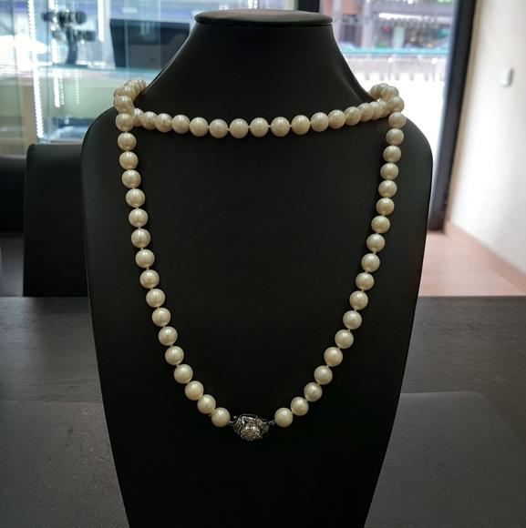Collar de perlas y broche en oro blanco con diamantes: Compra Venta de Oro y Plata de MR. SILVER & GOLD