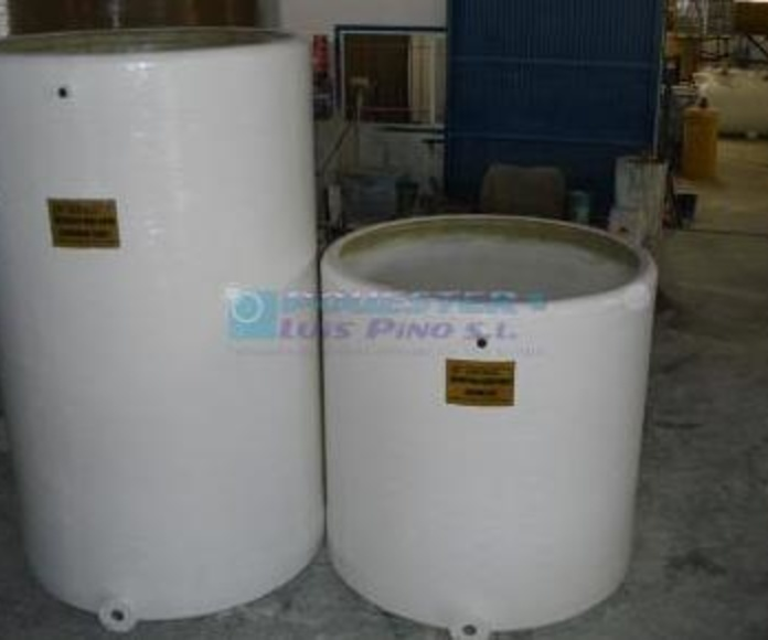 Depósitos verticales: Servicios y Productos de Poliéster Luis Pino