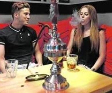 La moda de fumar en pipa