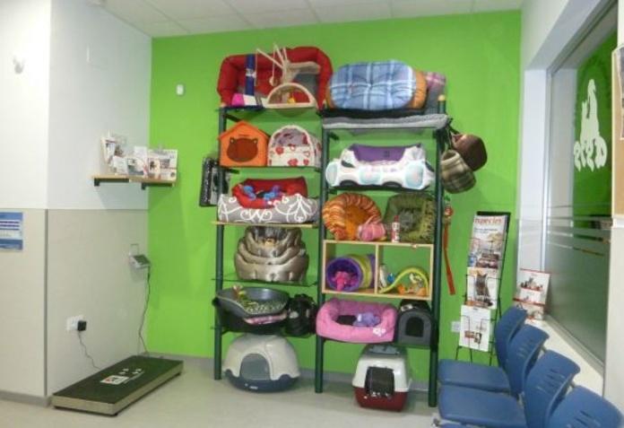 Tienda y Peluquería: Productos y Servicios de Clinica Veterinaria Asis
