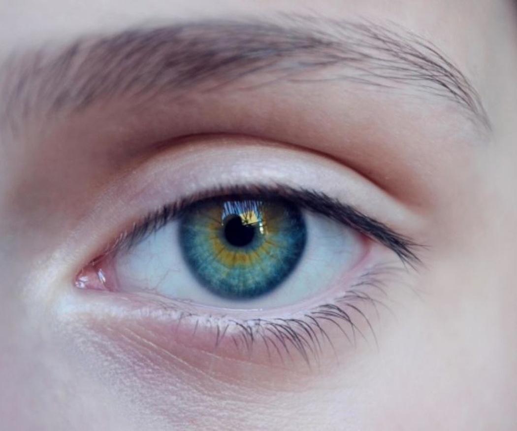 Cómo rejuvenecemos la mirada de nuestros pacientes