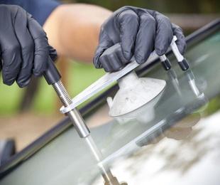¿Necesitas reparar el cristal de tu coche?