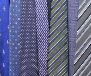 Restauración de corbatas;en nuestra Tintorería sus corbatas quedan como nuevas