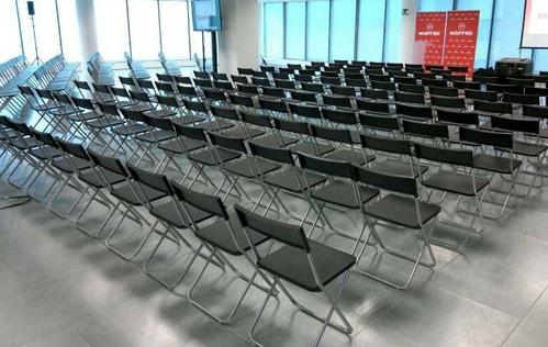 Alquiler de silla para conferencia, en Asturias.