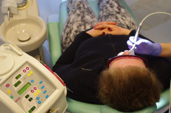Laser : Nuestros servicios de Clínica Dental Gándara
