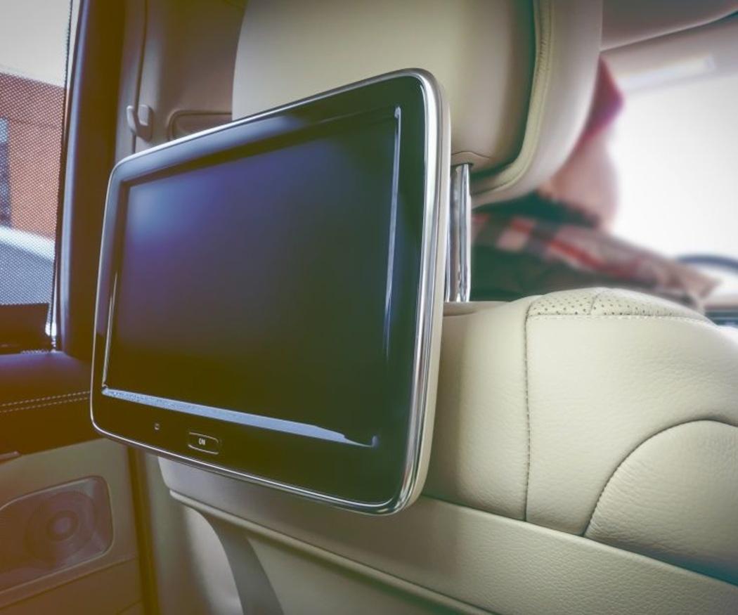 Las ventajas de instalar unas pantallas en el coche para tus hijos
