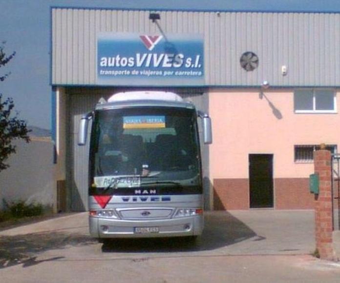 Servicio a colegios: Servicios de Autos Vives