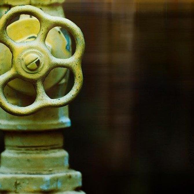 ¿Tienes problemas de atascos en tuberías? Te explicamos el método de agua a presión