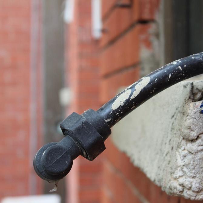 Síntomas de que debes llamar a un fontanero urgentemente