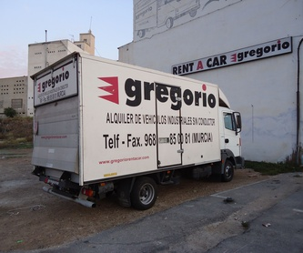 EQUIPMENT AT YOUR DISPOSAL: Catalogue de Gregorio Rent of Vans without driver