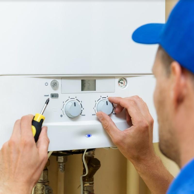 Reparaciones de calderas de gas y gasoil: Servicios de JULIÁN LÓPEZ GÓMEZ