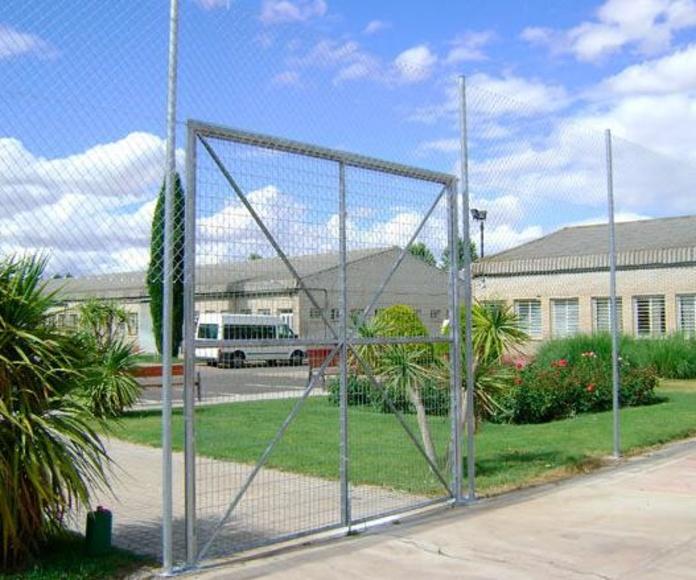 Puertas de mallazo electrosoldado: Cerramientos Portillo de Ferretería y Mallas Portillo
