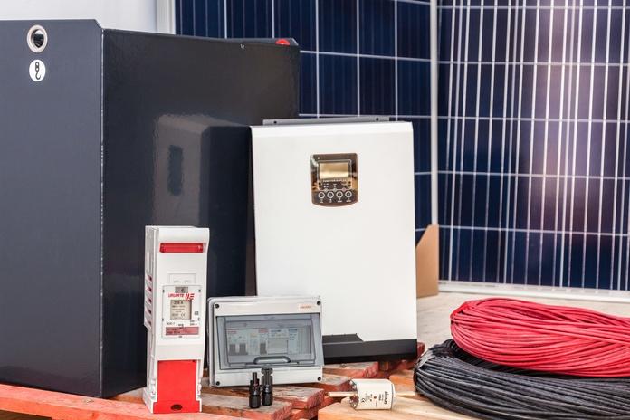 Kit fotovoltaico 3000W/día,   2500 €: Servicios de Sunray Energías Renovables