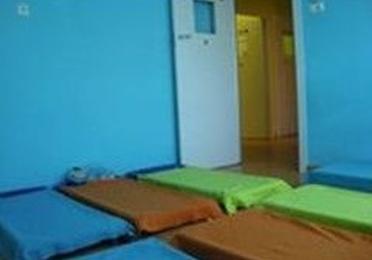 Dormitorio y sala de usos múltiples